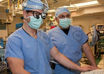 Complex spinal surgeries with 2 attending physicians, instead of 1, benefit patients