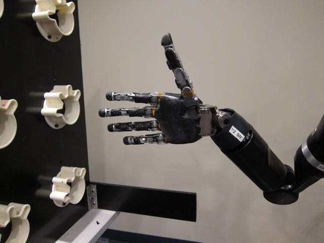 Thumbs-up for mind-controlled robotic arm