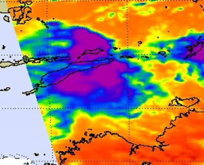 NASA's Aqua satellite sees weaker Tropical Depression Errol crossing West Timor
