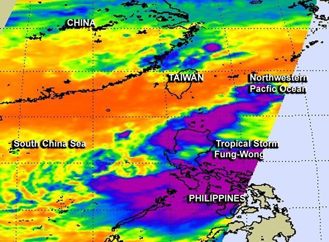 NASA eyes Tropical Storm Fung-Wong move through Northwestern Pacific