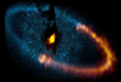 ALMA reveals workings of nearby planetary system Fomalhaut