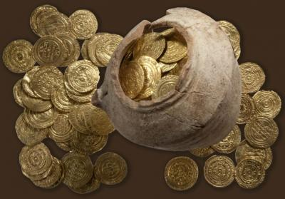 Hoard of Crusader gold found in ruins