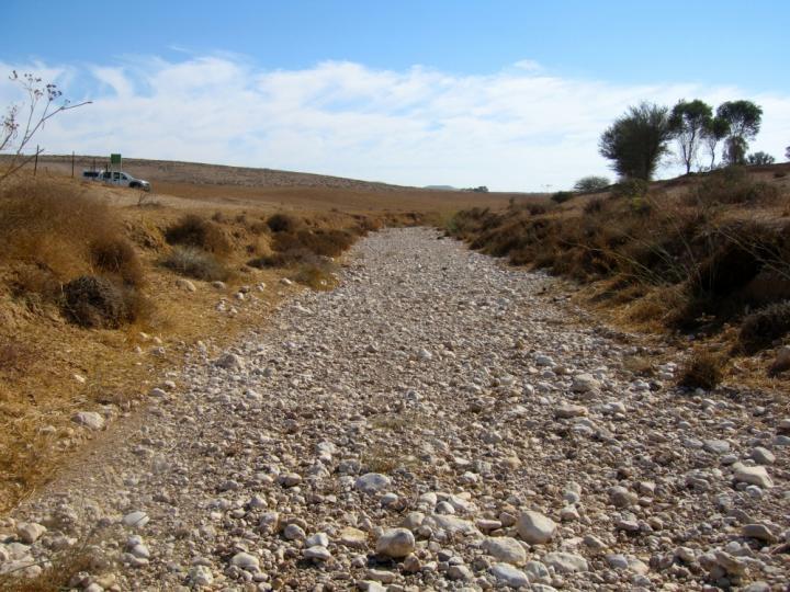 Desert streams: Deceptively simple