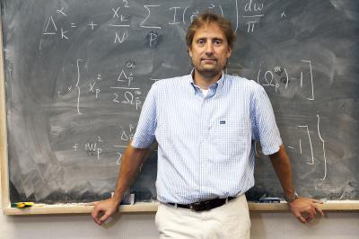 Physicists unlock nature of high-temperature superconductivity