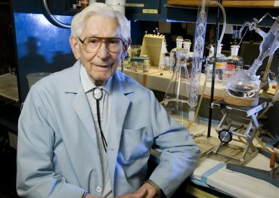 Lipid researcher, 98, reports on the dietary causes of heart disease